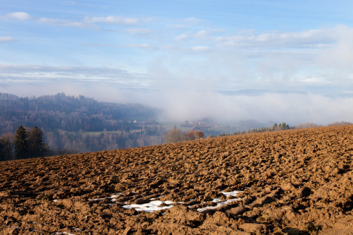 Plowed Field「Early Winter View, Jura Mountains, Dramatic Sky, Switerland」:スマホ壁紙(0)