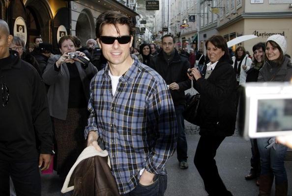 Incidental People「Tom Cruise Filming 'Knight & Day' In Salzburg」:写真・画像(0)[壁紙.com]