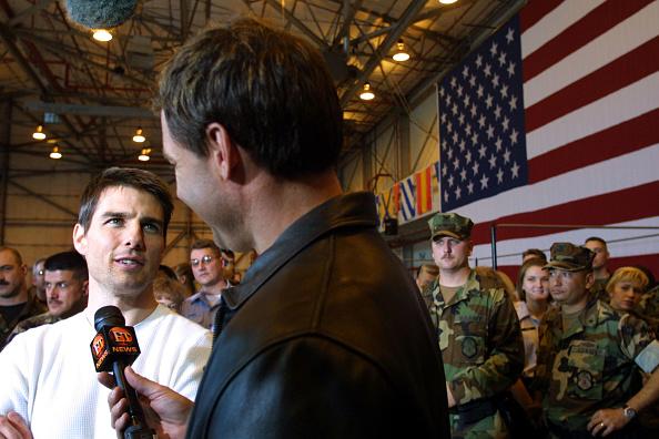 Vanilla「Cameron Crowe and Tom Cruise Visit Base」:写真・画像(3)[壁紙.com]