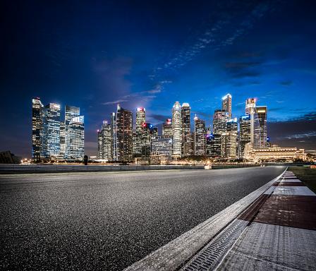 Skyscraper「Asphalt Road in Singapore at Night」:スマホ壁紙(15)