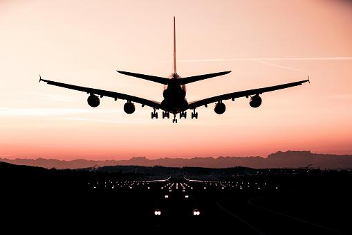 Approaching「Landing airplane」:スマホ壁紙(13)