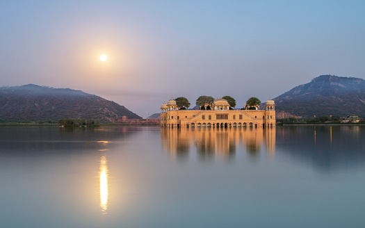 Udaipur「Jal Mahal water palace」:スマホ壁紙(1)