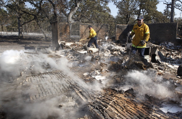 Safety「Wildfires Devastate Drought-Stricken Central Texas」:写真・画像(9)[壁紙.com]