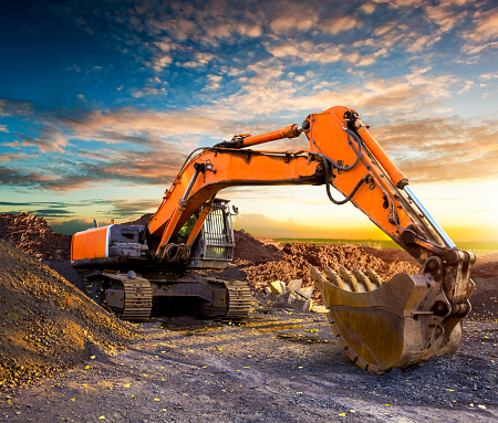 Digging「Huge excavator in the evening.」:スマホ壁紙(11)