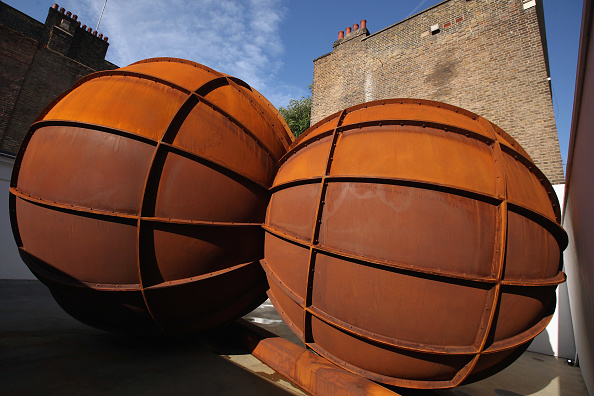 Sphere「Press Preview Of Anish Kapoor's Latest Exhibition At The Lisson Gallery」:写真・画像(6)[壁紙.com]
