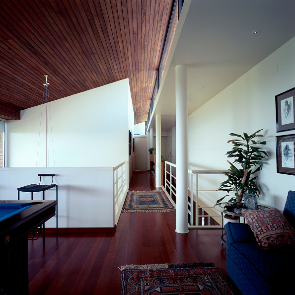 Rug「View of a house with wooden ceiling」:写真・画像(0)[壁紙.com]
