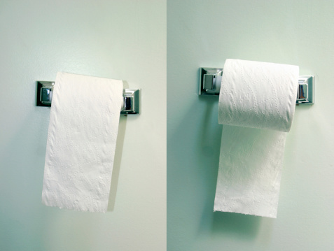 Convenience「Two toilet paper rolls」:スマホ壁紙(7)