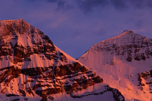 Yoho National Park「alpin glow on snow-capped mountain peaks」:スマホ壁紙(10)