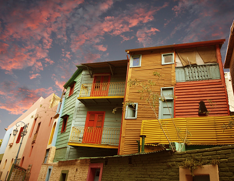 Buenos Aires「Housing units at sunset in La Boca, Buenos Aires」:スマホ壁紙(4)