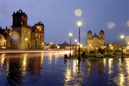 Baroque Style「Peru, Cuzco, cathedral and square at night (long exposure)」:スマホ壁紙(9)
