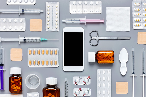 Blister Pack「Knolling concept of smart phone surrounded with medicines and sy」:スマホ壁紙(7)