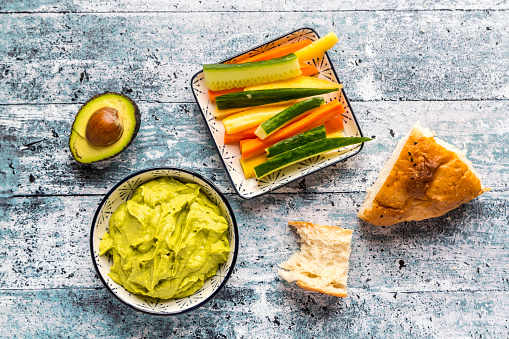 Crudite「Bowl of avocado hummus, crudites, avocado and flat bread」:スマホ壁紙(6)