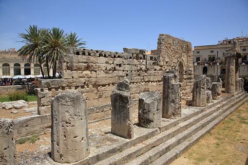 寺「6th BC Century Doric Temple of Apollo in Syracuse, Sicily.」:スマホ壁紙(9)