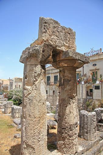 寺「6th BC Century Doric Temple of Apollo in Syracuse, Sicily.」:スマホ壁紙(7)