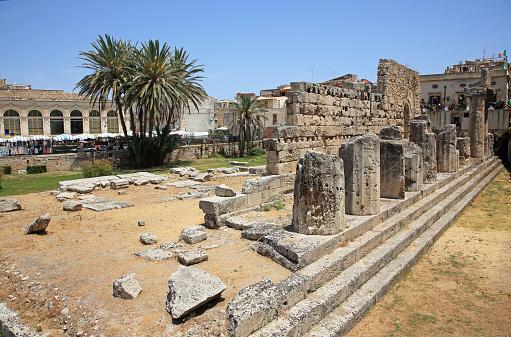 寺「6th BC Century Doric Temple of Apollo in Syracuse, Sicily.」:スマホ壁紙(8)