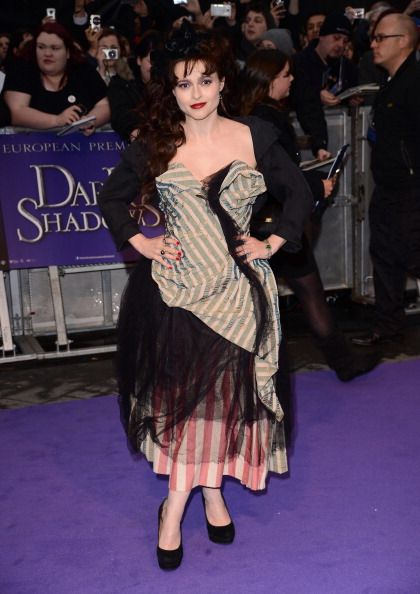 ダーク・シャドウ「Dark Shadows - European Premiere - Outside Arrivals」:写真・画像(9)[壁紙.com]