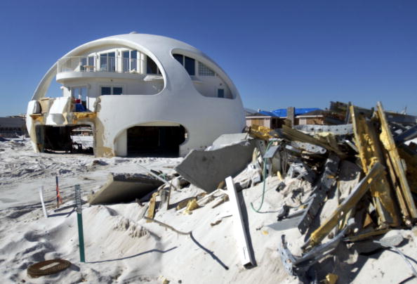 Stephen Morton「Florida Panhandle Still Recovering From Hurricane Damage」:写真・画像(8)[壁紙.com]