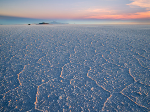 Arid Climate「Salar de Uyuni at sunrise」:スマホ壁紙(13)