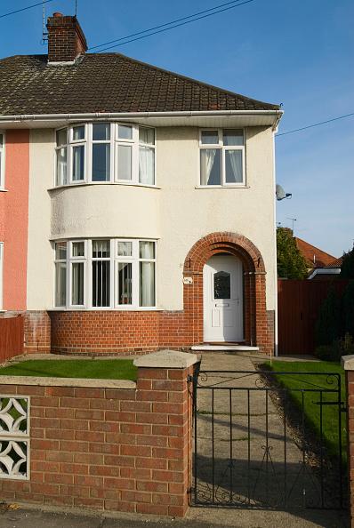 Front Door「1930s semi-detached house, Ipswich, Suffolk, UK」:写真・画像(18)[壁紙.com]