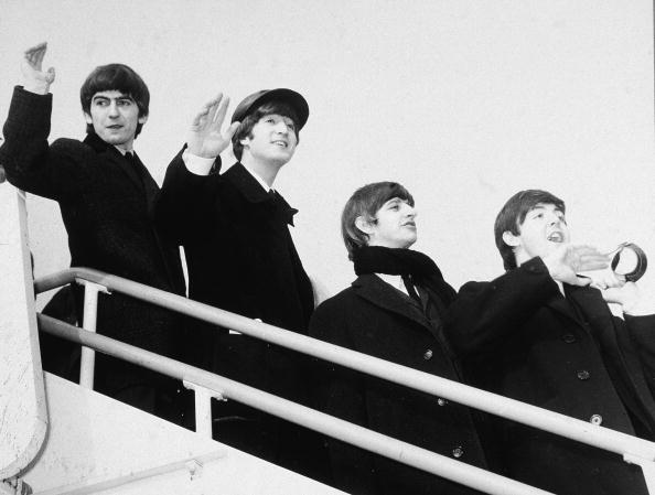 Beginnings「The Beatles Wave From Airplane Steps」:写真・画像(19)[壁紙.com]