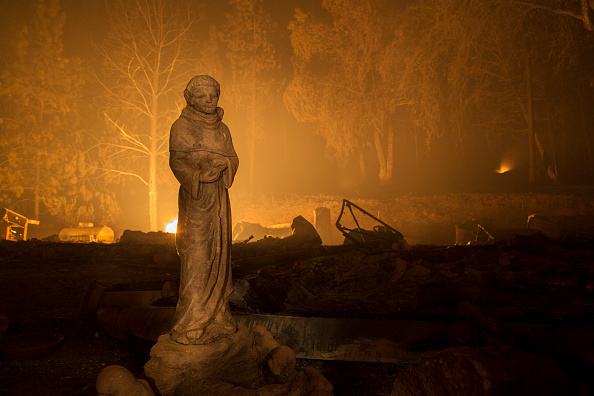 カリフォルニア州「Butte Fire Southeast of Sacramento Continues to Burn and Threaten Homes」:写真・画像(17)[壁紙.com]
