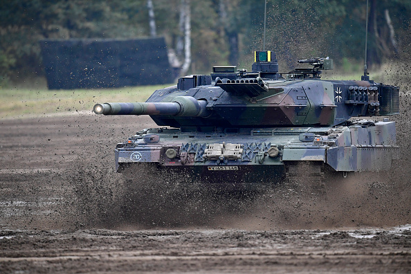 Armored Tank「Germany And Holland Hold Military Exercises」:写真・画像(10)[壁紙.com]