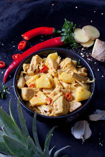 Garlic Clove「Bowl of vegan Jackfruit goulash」:スマホ壁紙(9)
