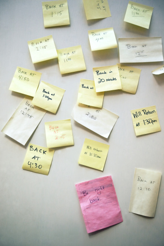 "Adhesive Note「""Be Right back"" messages written on note paper.」:スマホ壁紙(15)"