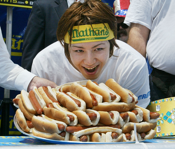 Hot Dog「Hot Dog Eating Contest At Coney Island」:写真・画像(13)[壁紙.com]