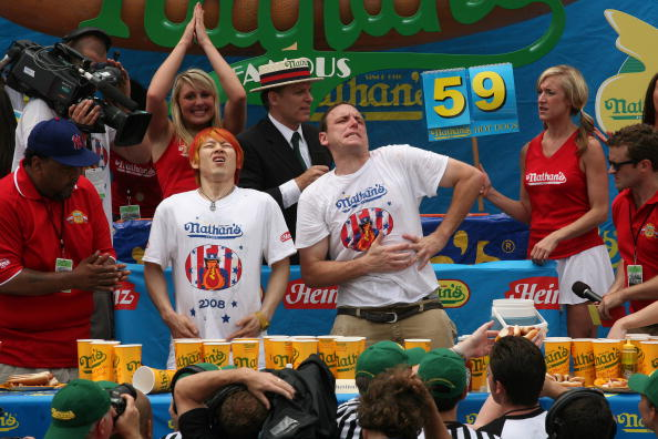 Michael Nagle「Nathan's Hot Dog Eating Contest Features Re-Match Of Champions」:写真・画像(19)[壁紙.com]