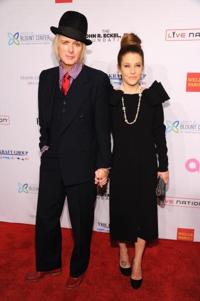 Michael Lockwood「Elton John AIDS Foundation's 12th Annual An Enduring Vision Benefit - Arrivals」:写真・画像(3)[壁紙.com]