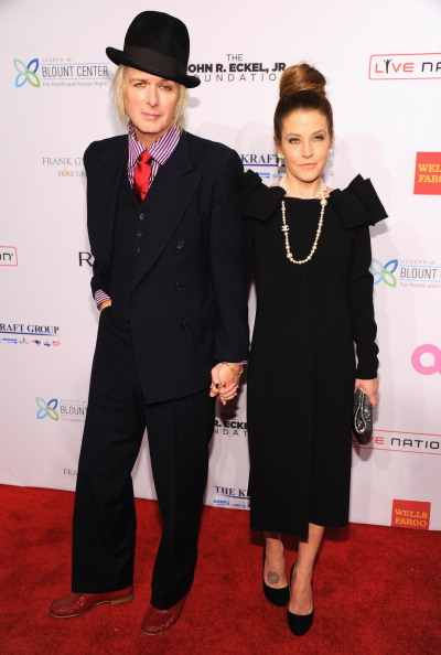 Michael Lockwood「Elton John AIDS Foundation's 12th Annual An Enduring Vision Benefit - Arrivals」:写真・画像(10)[壁紙.com]
