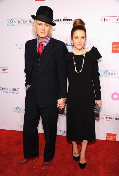 Michael Lockwood「Elton John AIDS Foundation's 12th Annual An Enduring Vision Benefit - Arrivals」:写真・画像(17)[壁紙.com]