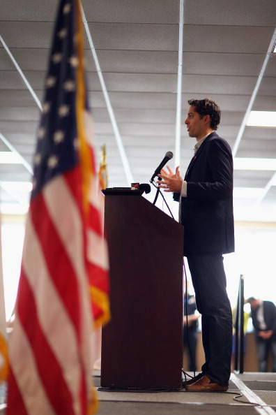 Florida International University「Senator Rubio And Craig Romney Campaign For GOP Candidate Romney In Miami」:写真・画像(12)[壁紙.com]