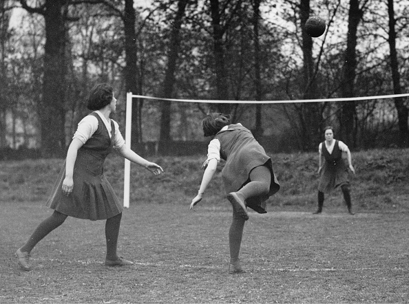 Athleticism「Women Playing Field Handball」:写真・画像(3)[壁紙.com]