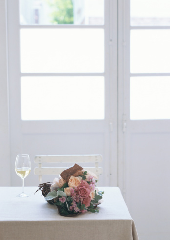 Bouquet「Bouquet and white wine」:スマホ壁紙(19)