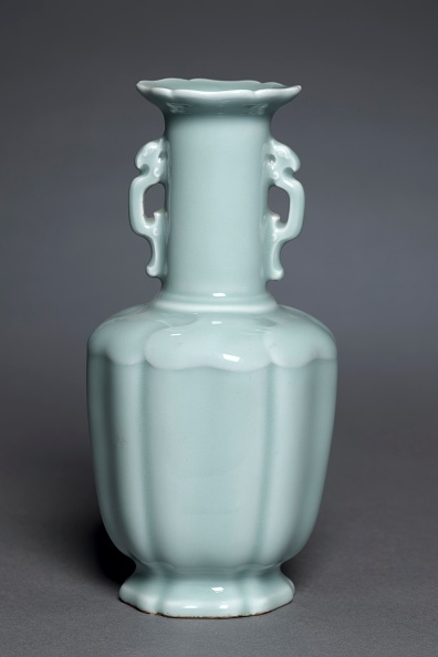 Handle「Vase With Dragon Handles」:写真・画像(9)[壁紙.com]