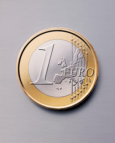 Gray Background「Euro Coin」:スマホ壁紙(15)