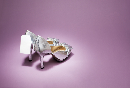 Silver Shoe「Silver high heels with price tag」:スマホ壁紙(9)