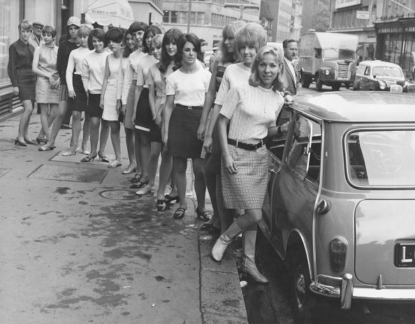 1960-1969「Many Minis In A Mini」:写真・画像(13)[壁紙.com]