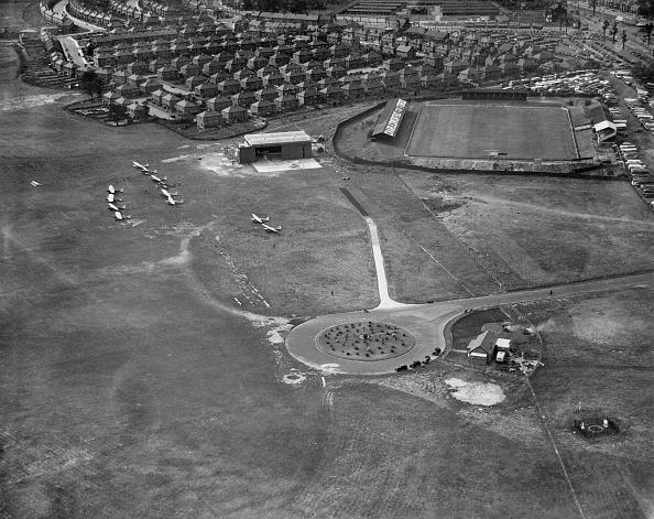 Stadium「Airfield And Belle Vue Stadium」:写真・画像(1)[壁紙.com]