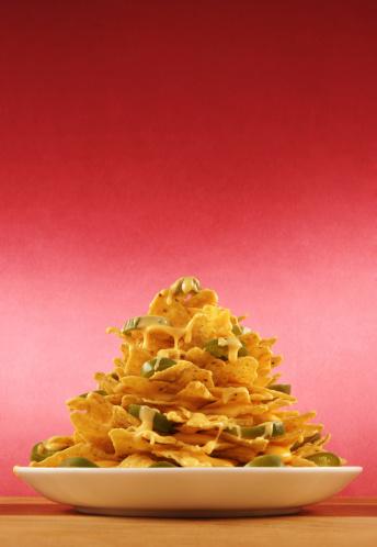 Fast Food「Plate piled very high with nachos」:スマホ壁紙(1)