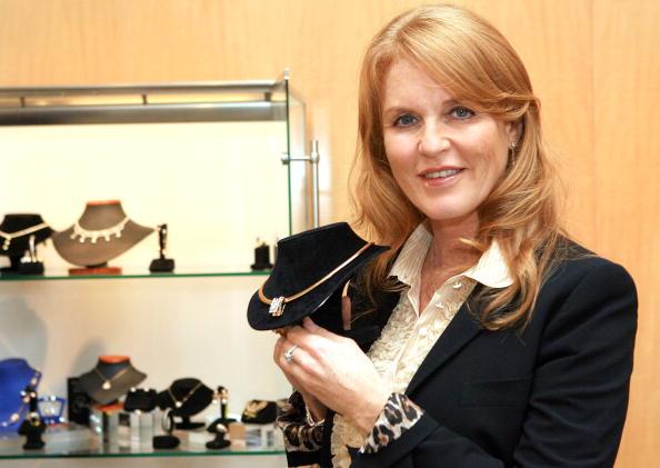 Katy Winn「Sarah Ferguson Debuts Her Line of Jewelry For K&G Creation」:写真・画像(17)[壁紙.com]
