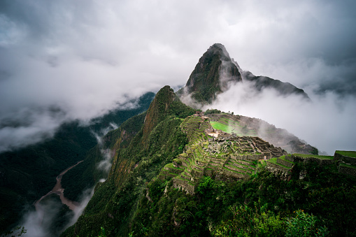 Peru「Machu Picchu in the fog, Cuzco, Peru」:スマホ壁紙(16)