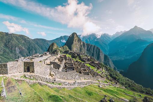 Urubamba Valley「Machu Picchu inca ruins in the Andes mountains」:スマホ壁紙(13)