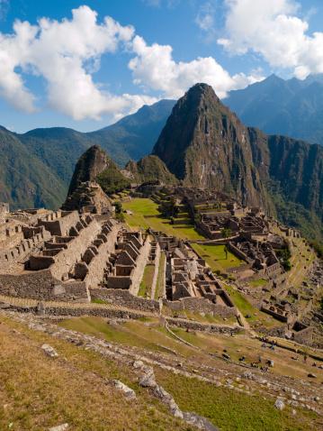 Peruvian Culture「Machu Picchu Peru -view  over the historic ruins」:スマホ壁紙(17)