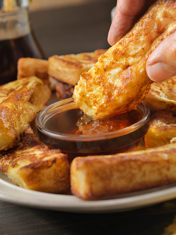 Toasted Food「Crispy French Toast Fingers with Maple Syrup」:スマホ壁紙(19)