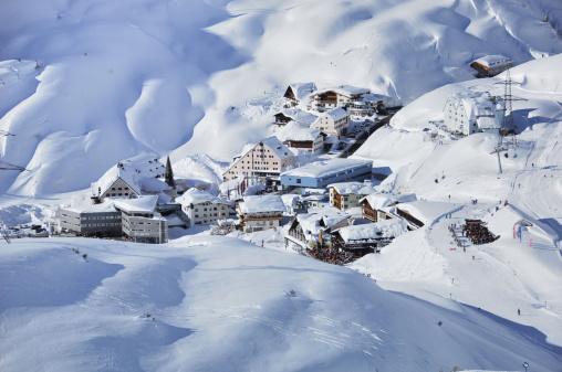 Ski Resort「Skivillage in the Moutains」:スマホ壁紙(2)