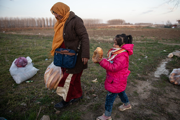 Loaf of Bread「Migrants Continue To Wait At The Turkish Greek Border」:写真・画像(11)[壁紙.com]