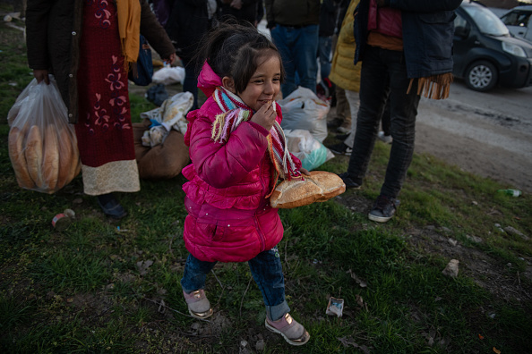 Loaf of Bread「Migrants Continue To Wait At The Turkish Greek Border」:写真・画像(10)[壁紙.com]